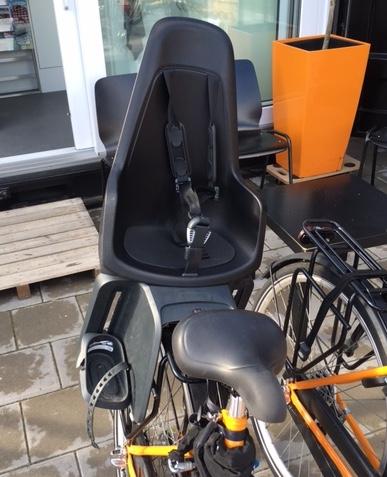 Kinderstoeltje achterop NDSM